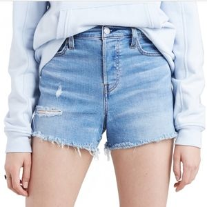 Levi's High-Rise Jean Shorts Size 12/W31